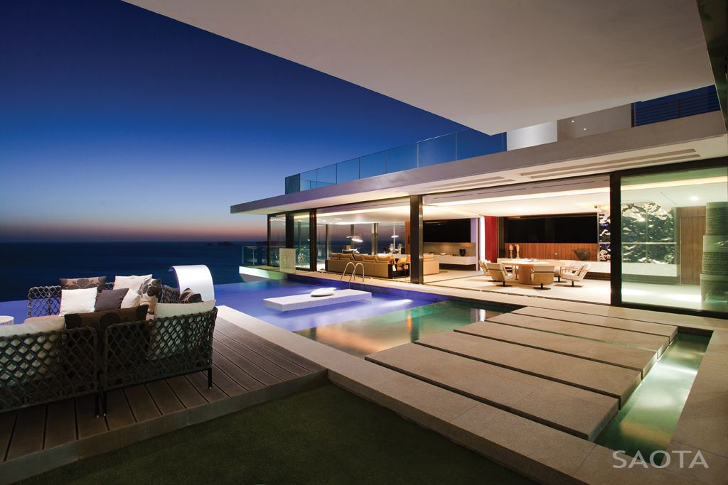 home designed by saota stefan antoni olmesdahl truen architects a cape town based studio this two story contemporary residence was completed in 2011