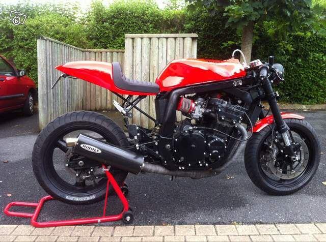 gsxr cafe racer motos calvados divers motos pinterest voitures et motos. Black Bedroom Furniture Sets. Home Design Ideas