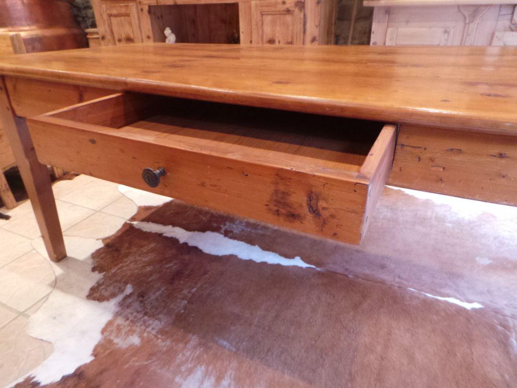TABLE ANCIENNE HAUTE SAVOIE DE FERME   Tables anciennes, Table ...