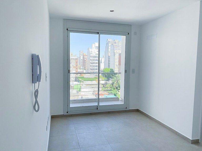Primero De Mayo 1400 En Venta 57 M2 1 Dormitorio 1 Bano Terraza De Uso Exclusivo Ideal Para Inversion Proxima Entrega Pregunta Por Esta Pro In 2020 Windows