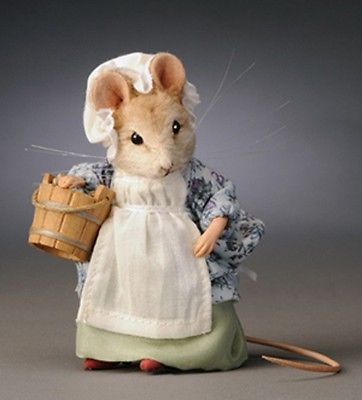 R John Wright Little Maid Pretty Maid Mouse Sold Out Retired