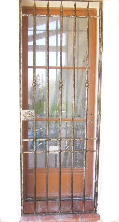 Nos mod les de grilles de portes et de fenetres en fer for Porte grille en fer