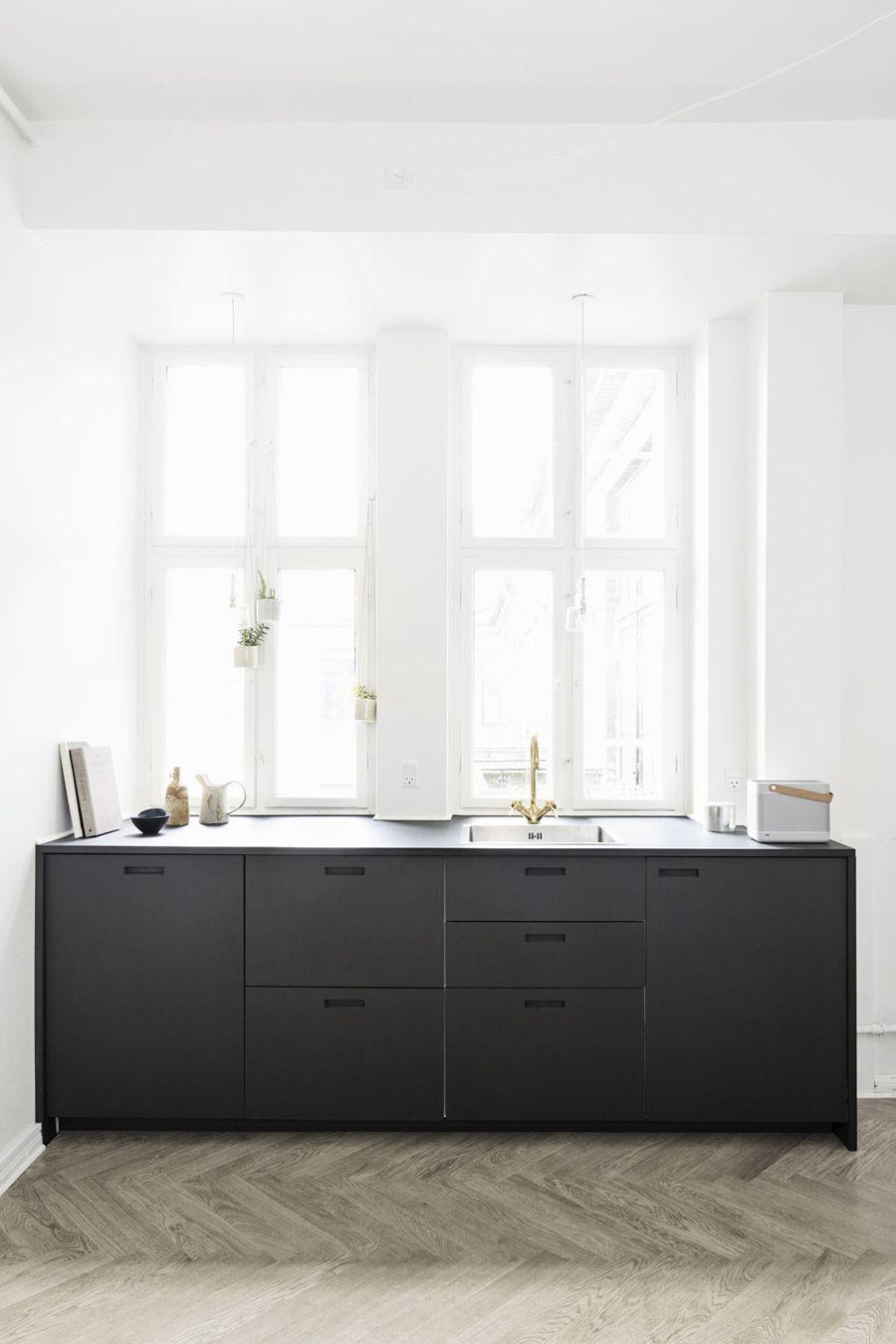 Aquí os dejo con este inspirador apartamento de la ceramista danesa ...