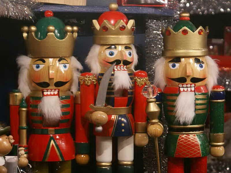 Great German Christmas Decoration | Christmas on the Continent ...