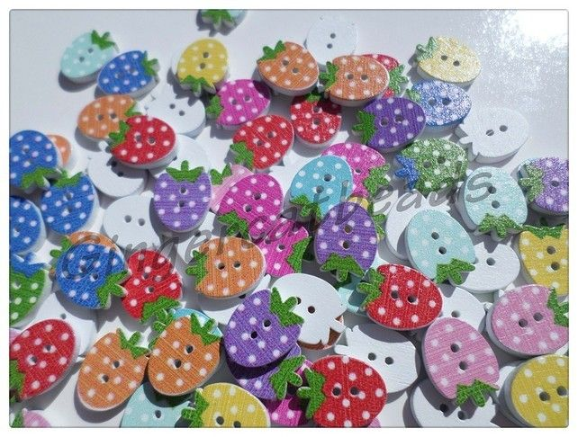 30 x 2-Hole Printed Wooden Buttons - 16mm - Strawberry - Mixed Colour
