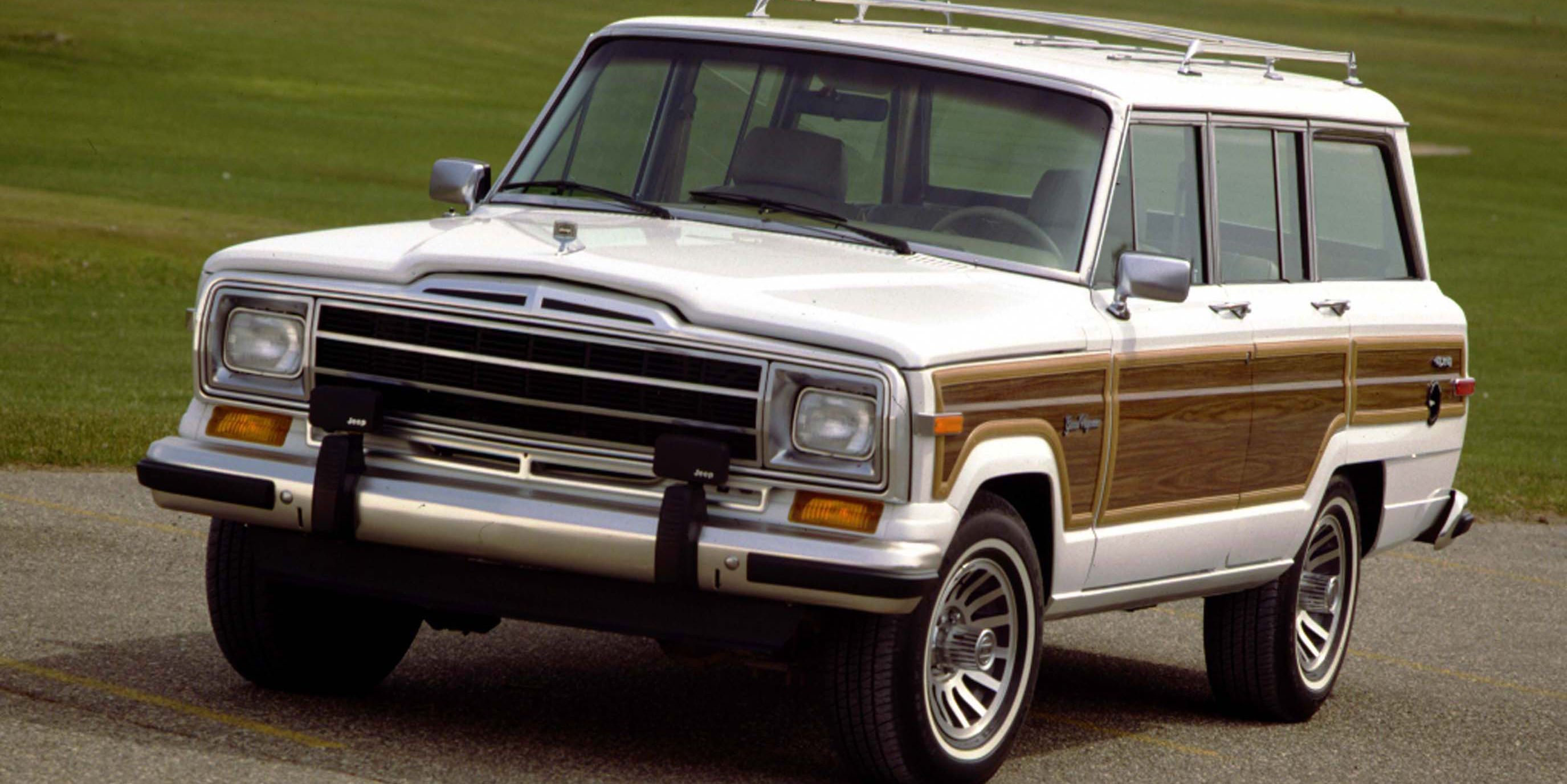 The Jeep Wagoneer And Grand Wagoneer Will Come Back In 2021 Jeep Wagoneer New Jeep Wagoneer Vintage Jeep