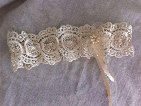 Crochet Lace Bridal Garter/Wedding Garter By