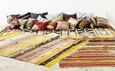 love these turkish rugs & cushions...why didn't i fill my backpack with them when i was there!!?? #gypsysetup