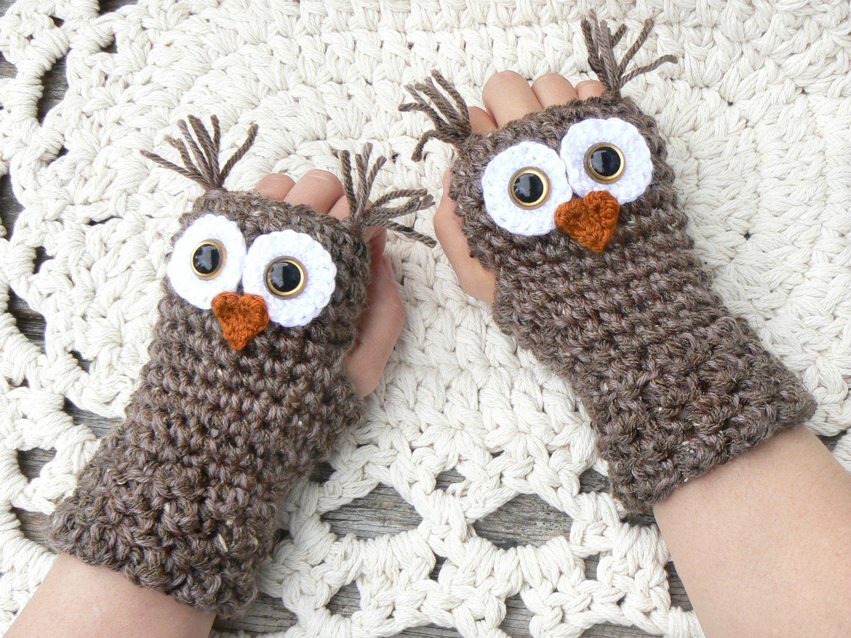 I just LOVE these!!! Crochet Owl Fingerless Gloves Wrist Warmers ...