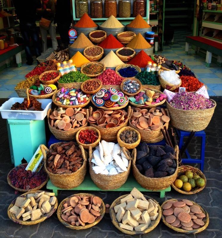 Cosas que puedes encontrar en una herboristería en Marruecos ...