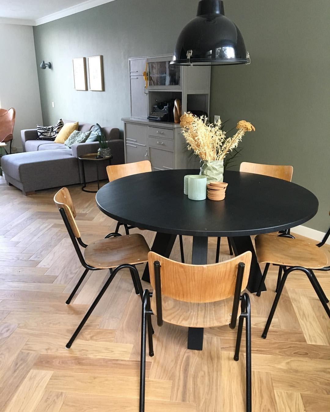 Fijne Eethoek Stoelen.Round Dinner Table Ronde Eettafel Houten Stoelen Wooden Chairs
