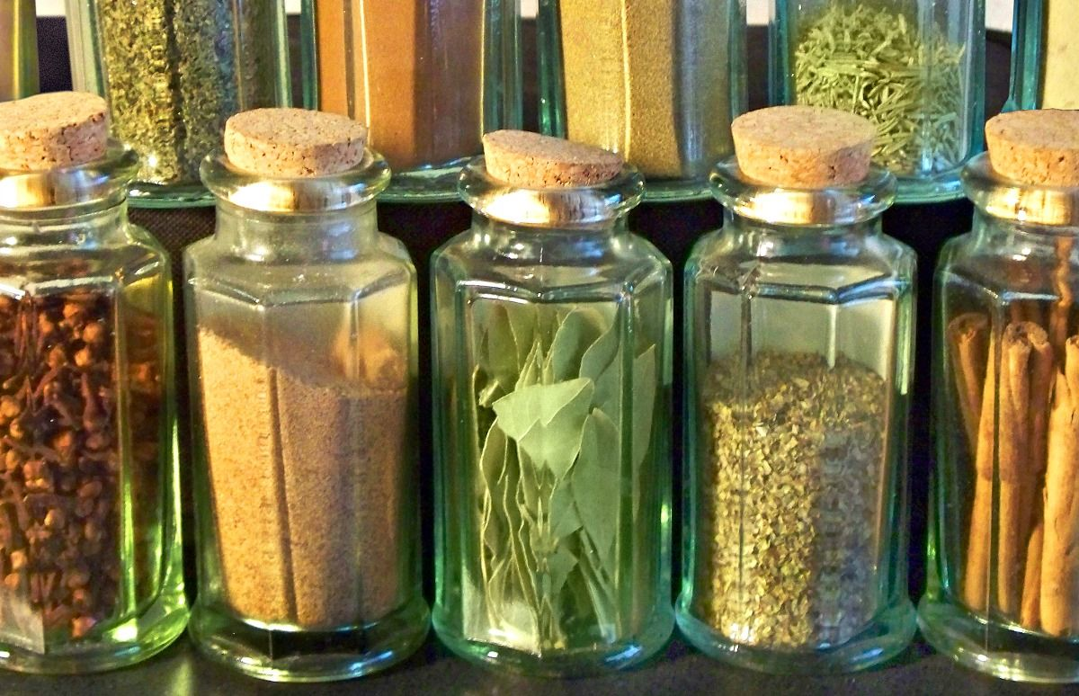 Homemade Seasoning Mix Recipes  How to make your own is part of Homemade seasonings - Spices are expensive, and seasoning mixes are even MORE expensive  Stop buying them and make homemade seasoning mix recipes from home!