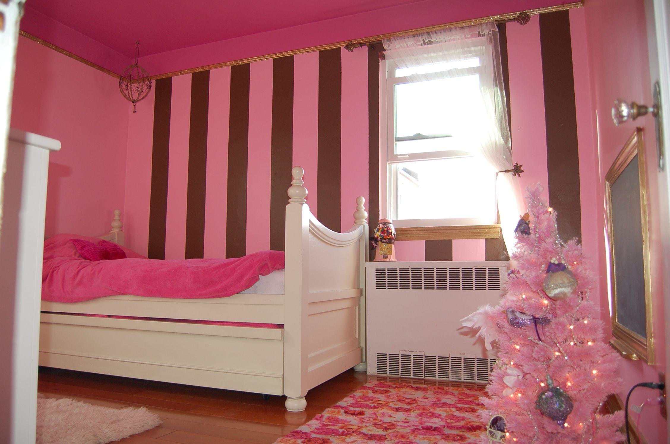 Madchen Schlafzimmer Malen Ideen Dunkel Braun Holz Nachttisch Ta