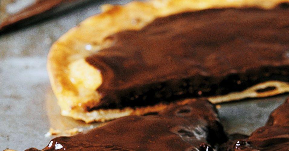 E para a sobremesa, não poderia faltar uma boa Pizza de Chocolate e Caramelo. Clique ao lado para ver a receita