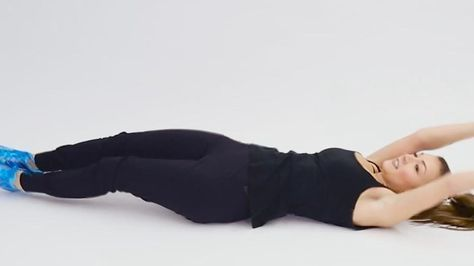 With the lying exercise Rolling Superman you burn the maximum calories - video  Fit with Sabrina Ni
