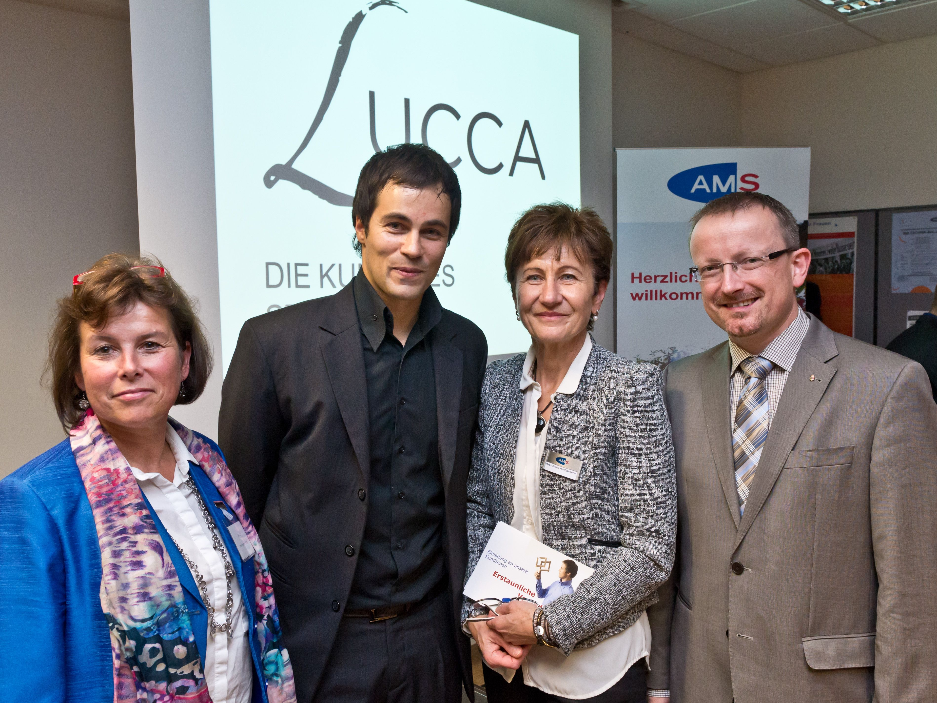 AMS Perg Magisches Kundenmeeting mit Illusionist Lucca