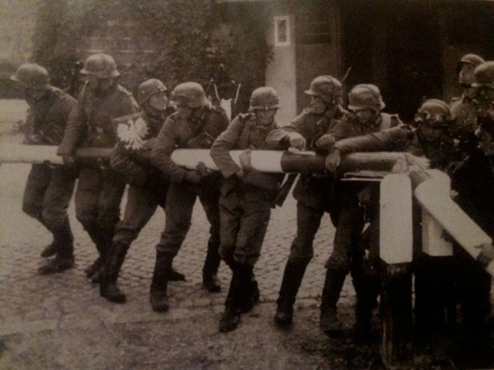 Pin Em German Soldiers Ww2