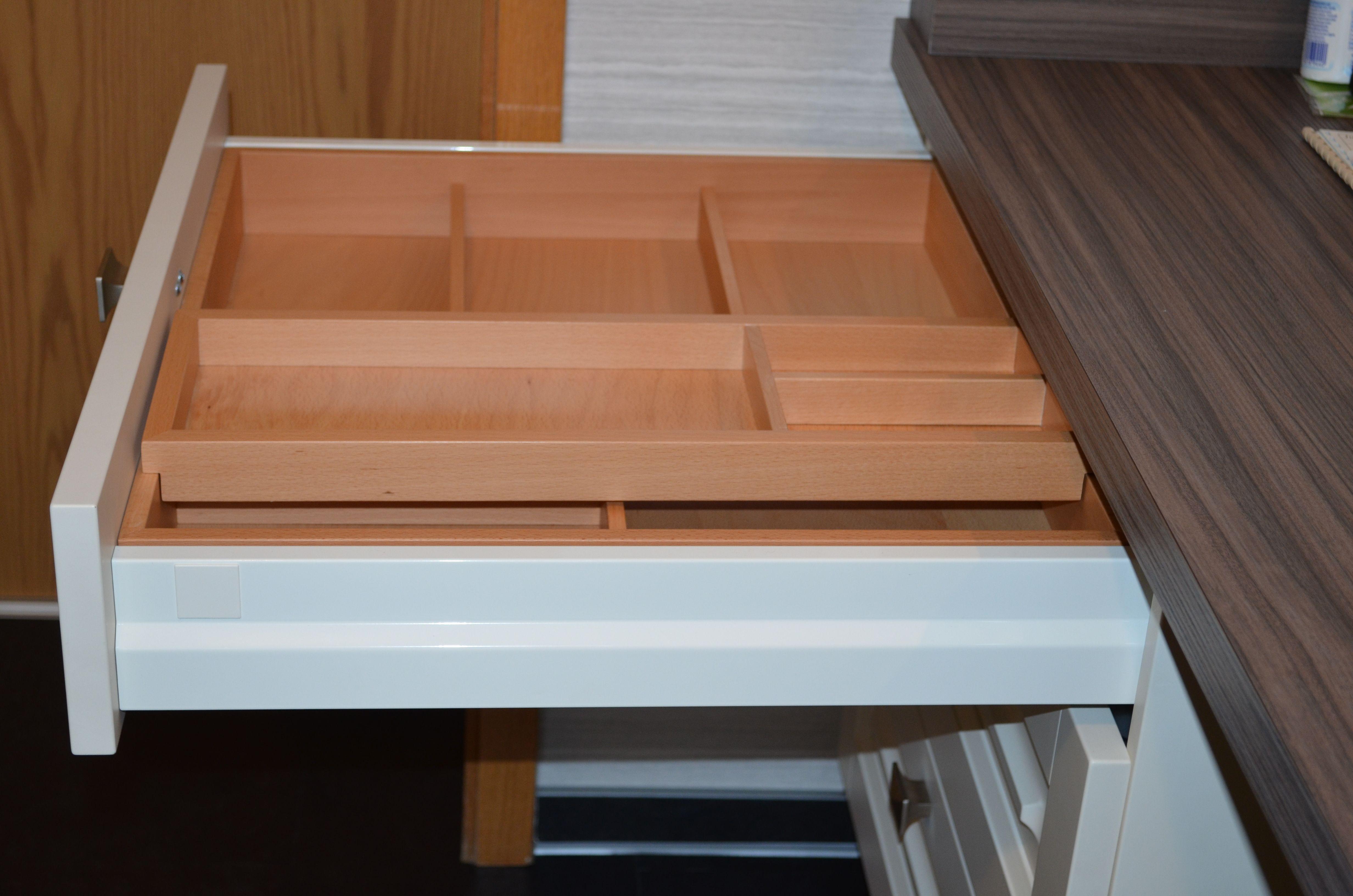 Landhauskuche Schubladeneinsatz Mit 2 Etage Zum Verschieben Landhauskuche Rustikale Kuchenschranke Haus Kuchen
