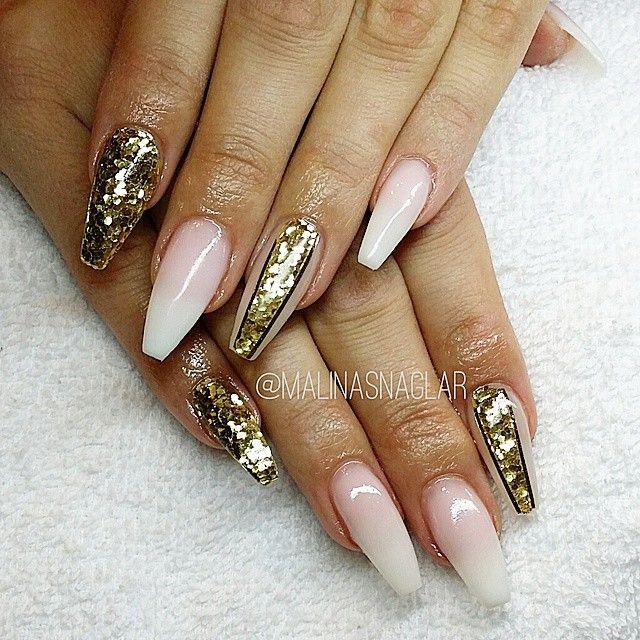 Babyboomer and gold Coffin nails