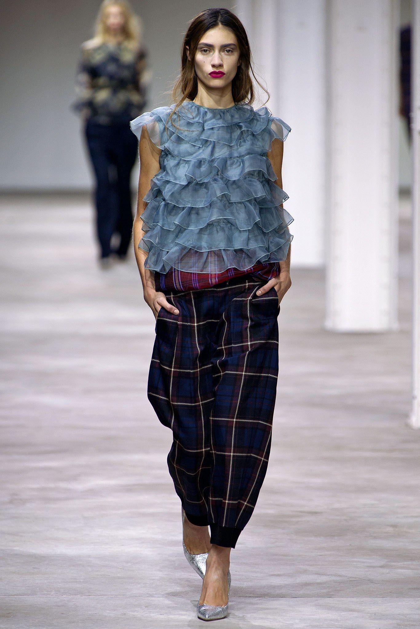 Dries Van Noten Spring 2013 Ready-to-Wear Fashion Show - Marine Deleeuw (Elite)