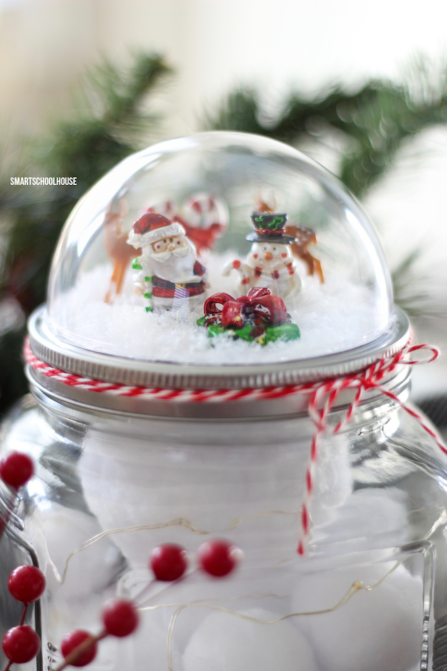 How to Make Christmas Snow Globes Mason jar diy