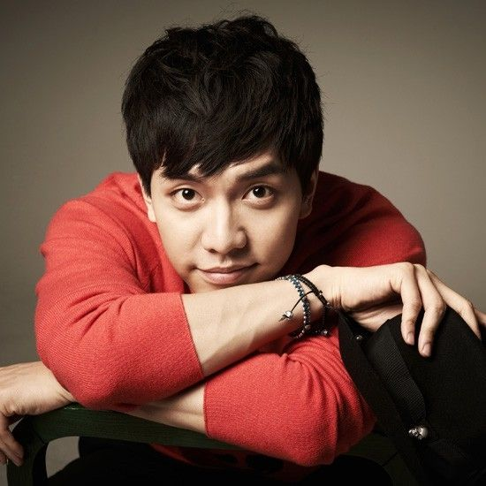 Lee Seung Gi Signs On For Seven Personalities http://www.kpopstarz.com/articles/138125/20141118/lee-seung-gi-signs-on-for-seven-personalities.htm