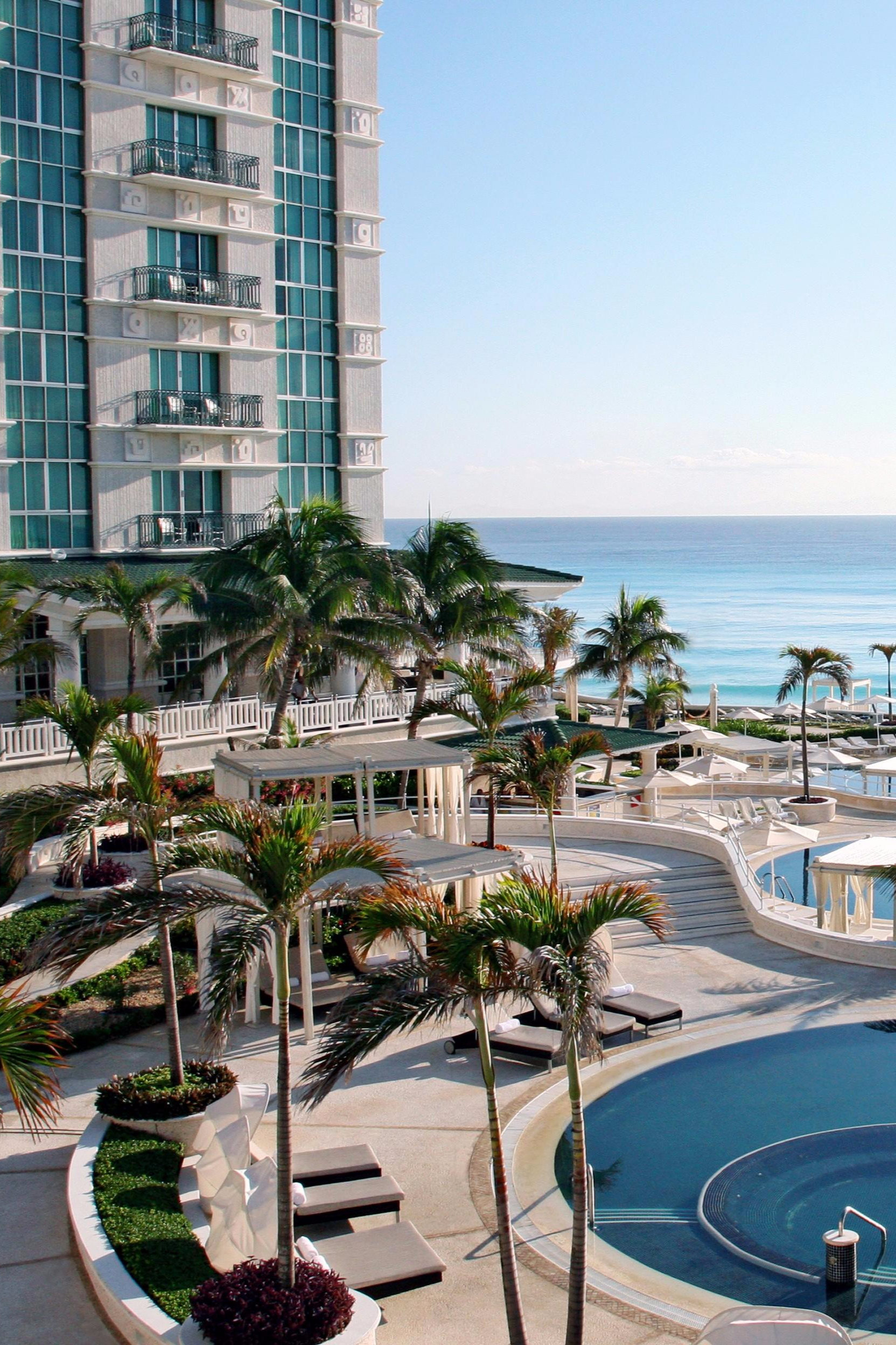 5c8d2946794bf2 The Sandos Cancun is in a stunning location overlooking the Caribbean. Sandos  Cancun Luxury Resort All Inclusive (Cancun