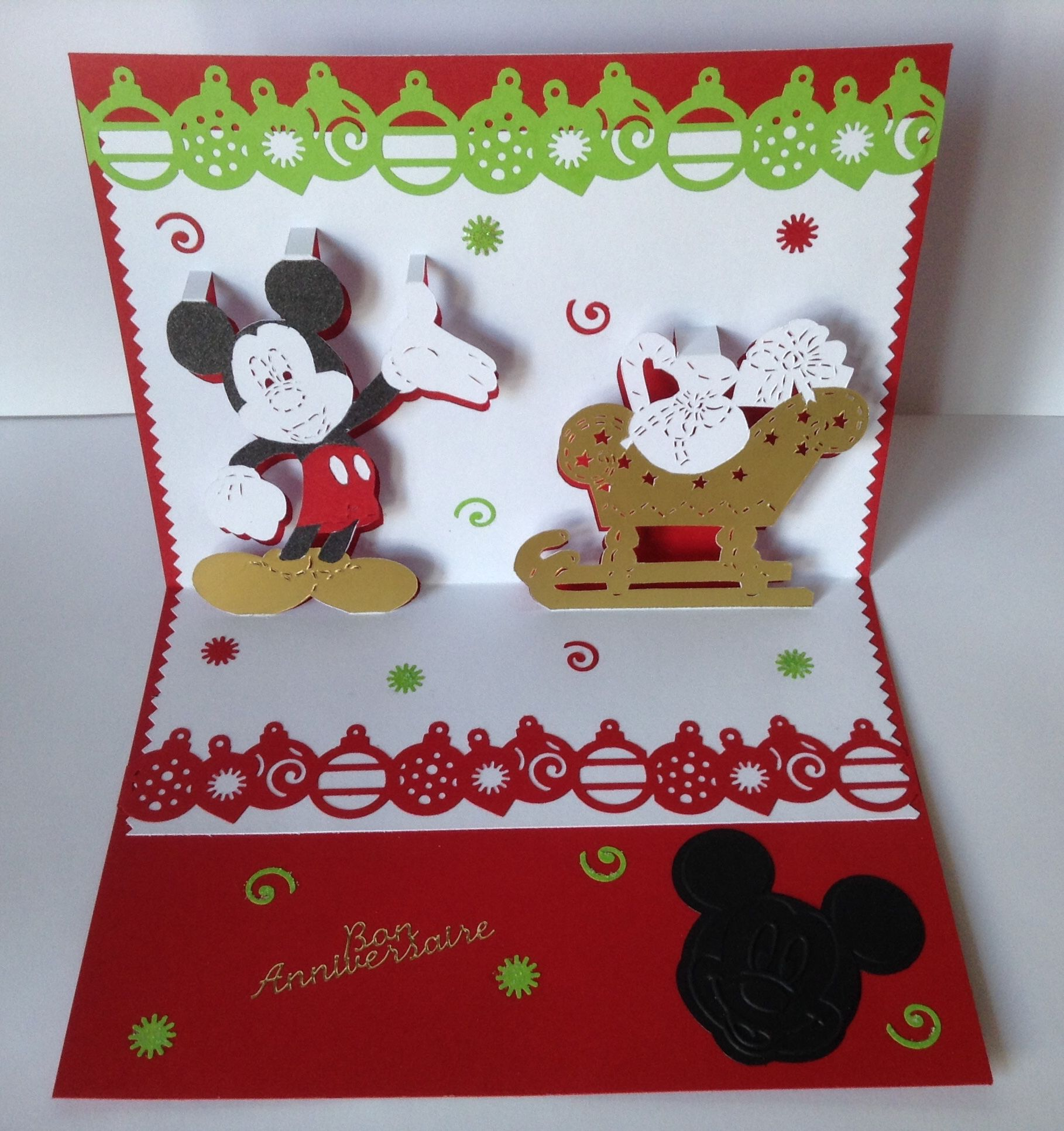 kirigami carte anniversaire mod le mickey et son tra neau de noel kirigami the kirigami. Black Bedroom Furniture Sets. Home Design Ideas