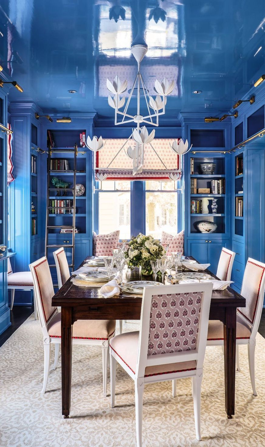 Stylish Living Room Ideas From Floral To Family Friendly In 2020 Dining Room Furniture Sets Stylish Living Room Blue Room Decor #stylish #living #room #design