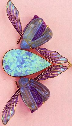 Rene Lalique, The bright purple and blue were very popular at the time