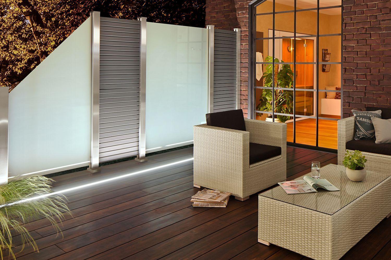 Lichtleisten Fur Wpc Und Bambus Terrassen Diese Bambusterrasse Mit Eingepasster Lichtleiste Ist Einfach Einladend Und Gemutlich Der Sichtschutz Aus Satiniert Home Decor Home Room Divider