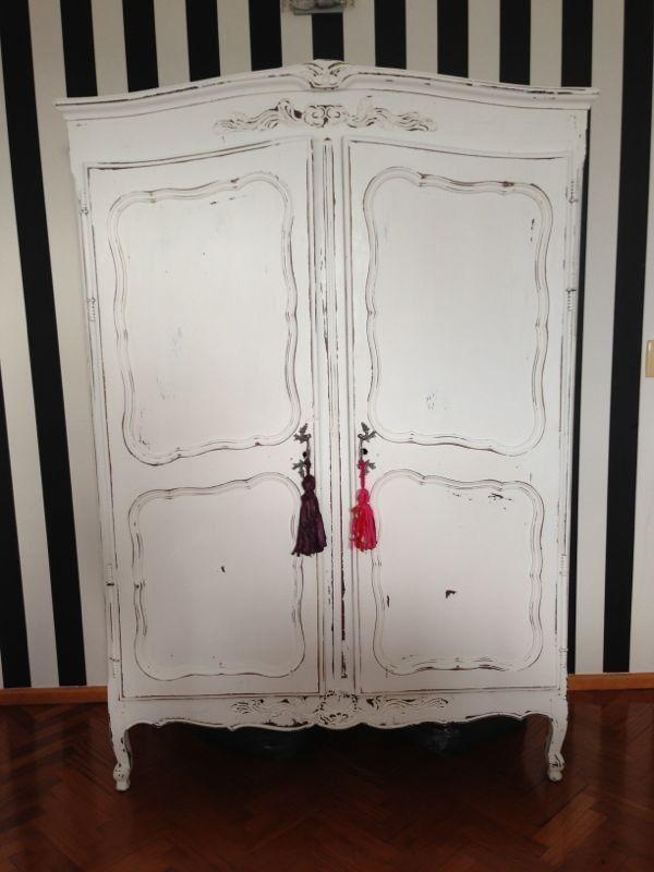 Vintouch muebles reciclados pintados a mano ropero provenzal de la muma blanco decapado - Muebles estilo antiguo ...