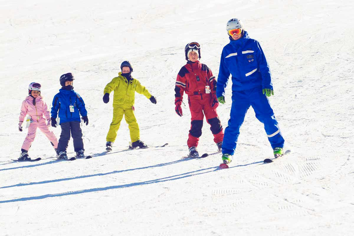 Kids Lessons Afton Alps Get Outdoors Four Wednesdays With Special Discounts On Lift Tickets Rentals Lessons 1 Week Adv Afton Alps Ski Schools Ski Trip
