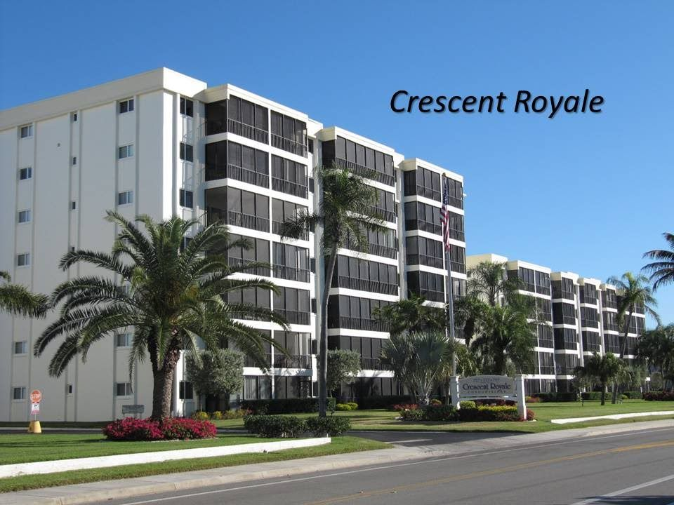 Crescent Royale Condominiums on Siesta Key
