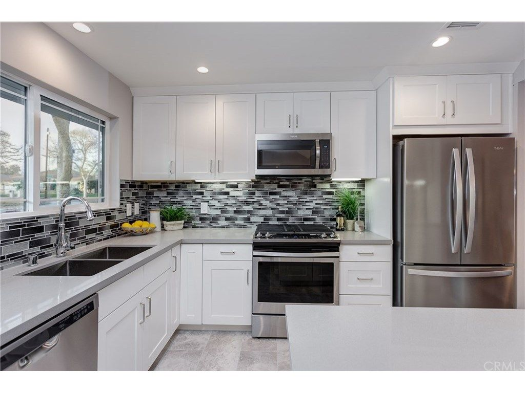 2920 Estado St Pasadena Ca 91107 Photo 10 Of 28 Craftsman House Home Kitchen Cabinets