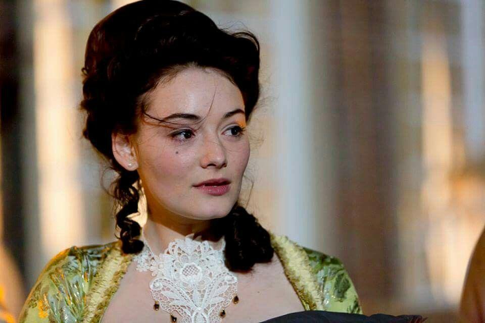 Smaragdgrun Gwendolyn Maria Ehrich Behind The Scenes Rubinrot Saphirblau Smaragdgrun Rubinrot Saphirblau