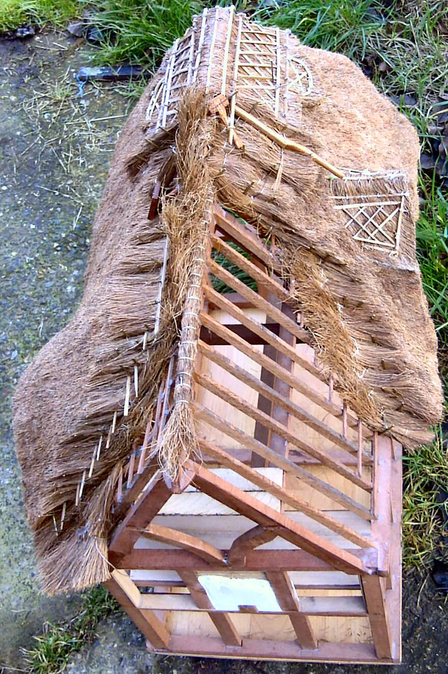 Stage By Stage Combed Wheat Thatching In Photo S Www