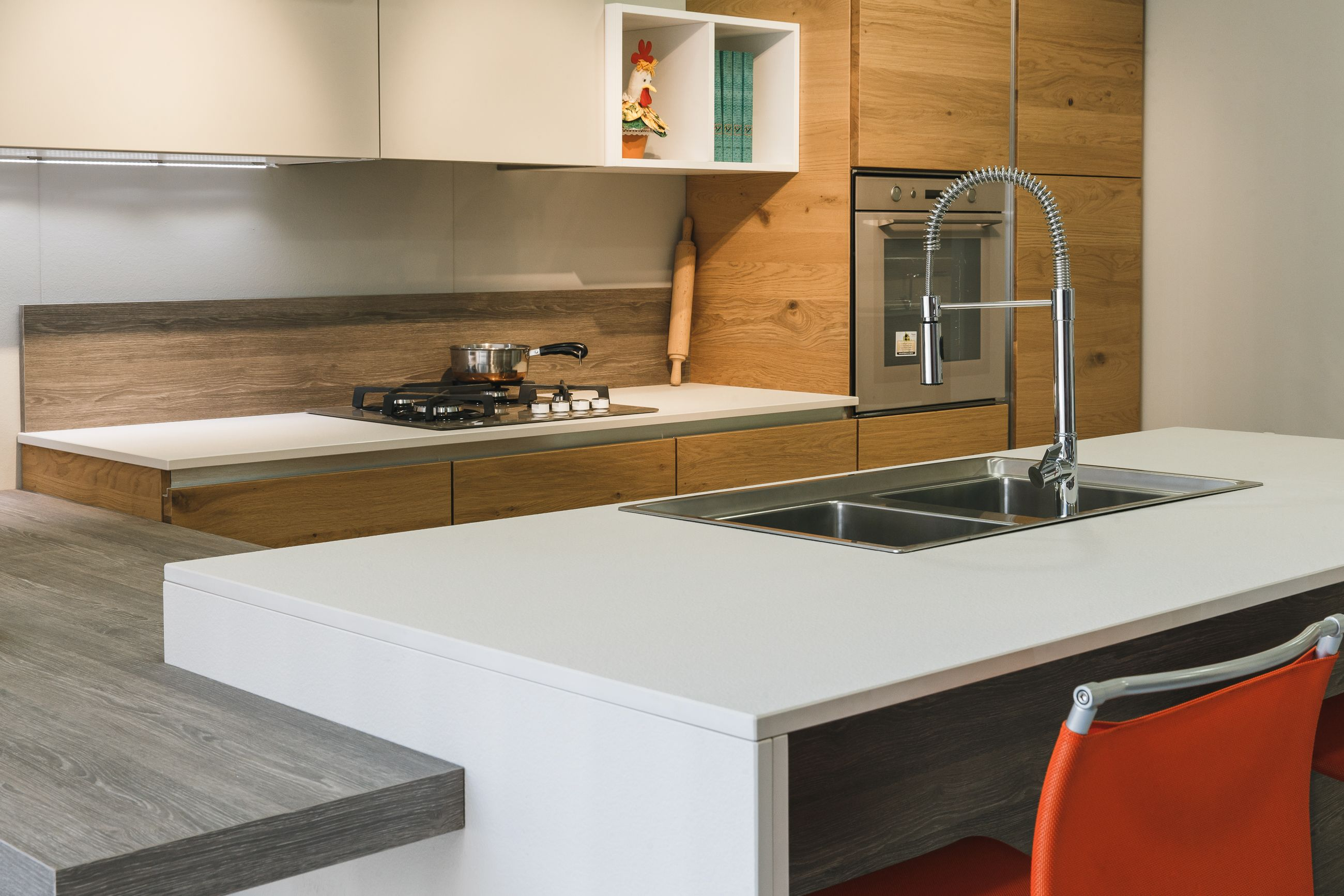 Lapitec Full Bodied Sintered Stone Will Give That Extra Shine To Your Kitchen Check It Out On Our Website Modern Kitchen Lapitec Kitchen