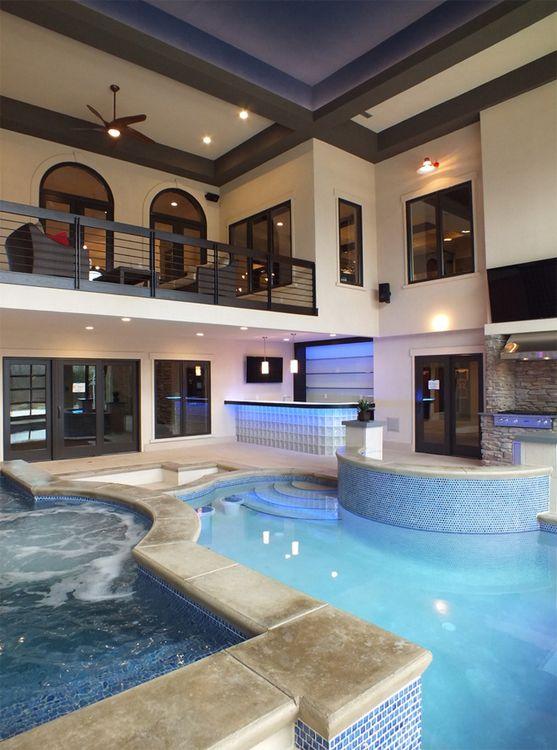 Piscina interior con jacuzzi y cocina pools pinterest casas interiores y piscinas - Casas con piscina interior ...
