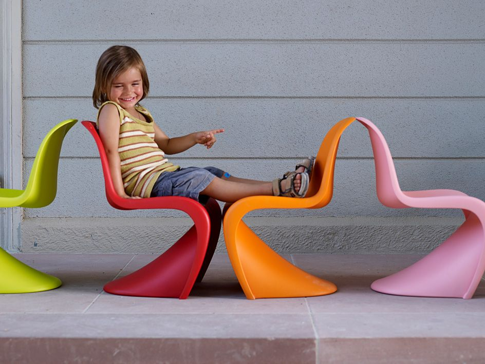 Vitra PANTON Junior Chair by Verner Panton. 2004 Junior Panton Chair by Vitra Design Museum. Buy Vitra Chair Panton Junior by Panton and Vitra Kids Chairs. & Imágenes: Panton Junior: Muebles para el hogar: Vitra.com | Vitra ...