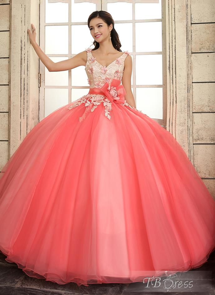 02e3c3e13 Are you in the market for the perfect Quinceanera dress for the big day of  yours  Don t miss out on these 5 suggestions for finding the best dress for  your ...