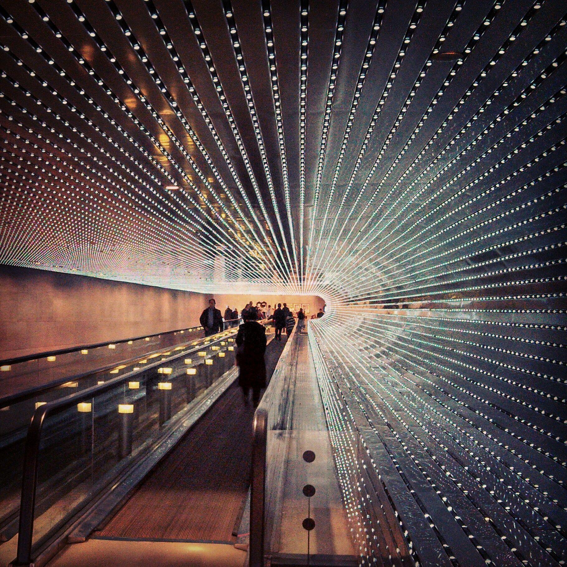 Leo Villareal - Multiverse, National Gallery