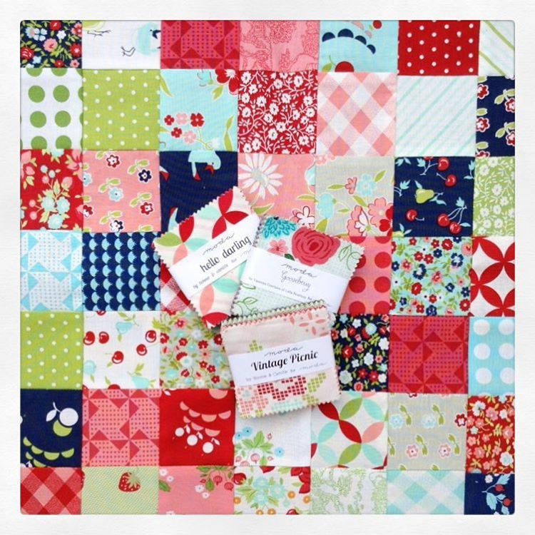 These collections mix beautifully! #hellodarling #vintagepicnic #gooseberry by @lellaboutique & @thimbleblossoms / @bonniecottonway #ShowMeTheModa #patchwork #minicharms