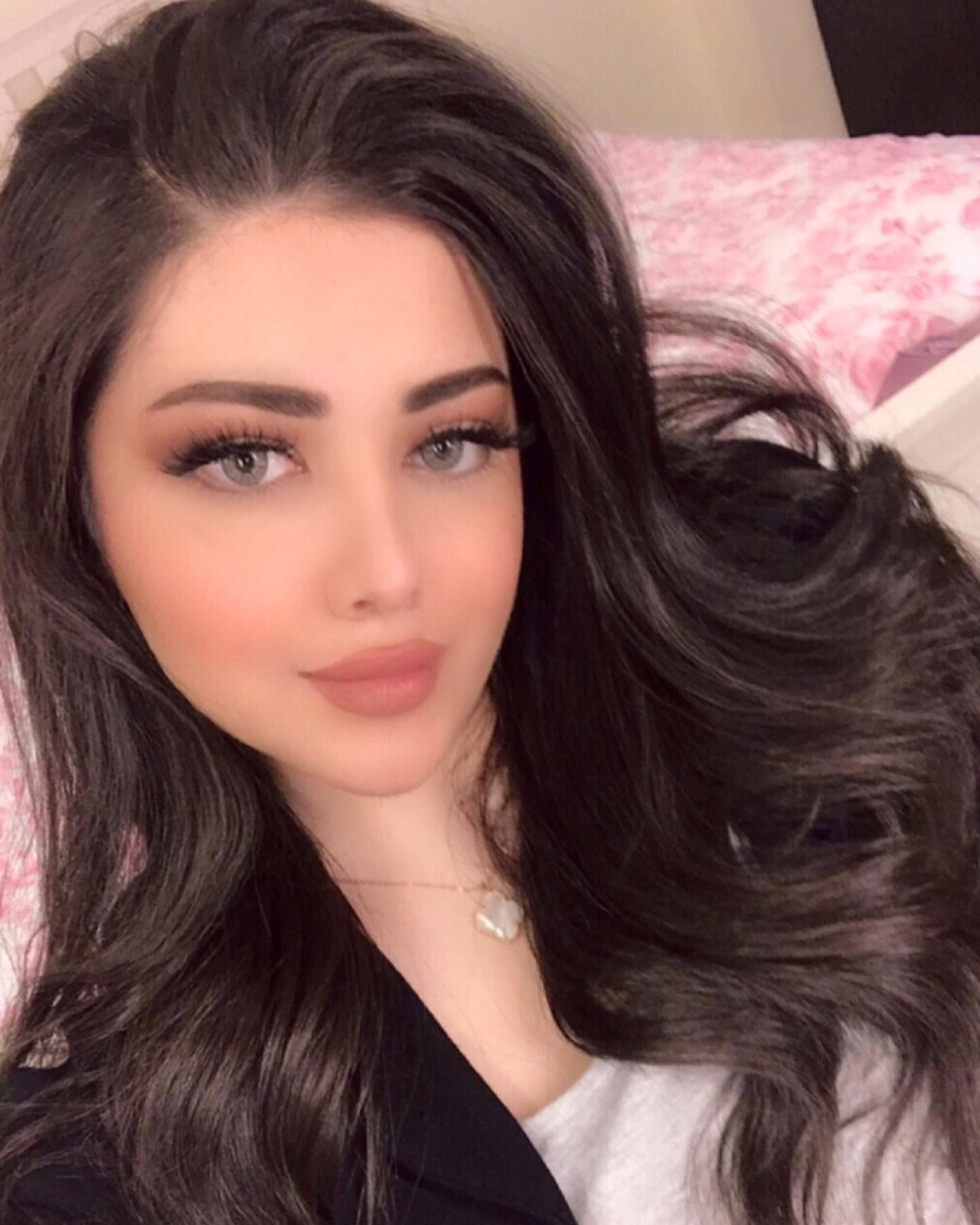 Pin By Lotus On Kuwaiti Women Beautiful Girl Image Beauty Girl Cute Girl Face