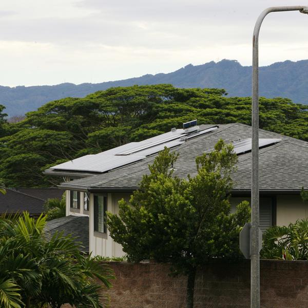 Analysis: Clouds over Hawaii's rooftop solar growth hint at U.S. battle - Yahoo News
