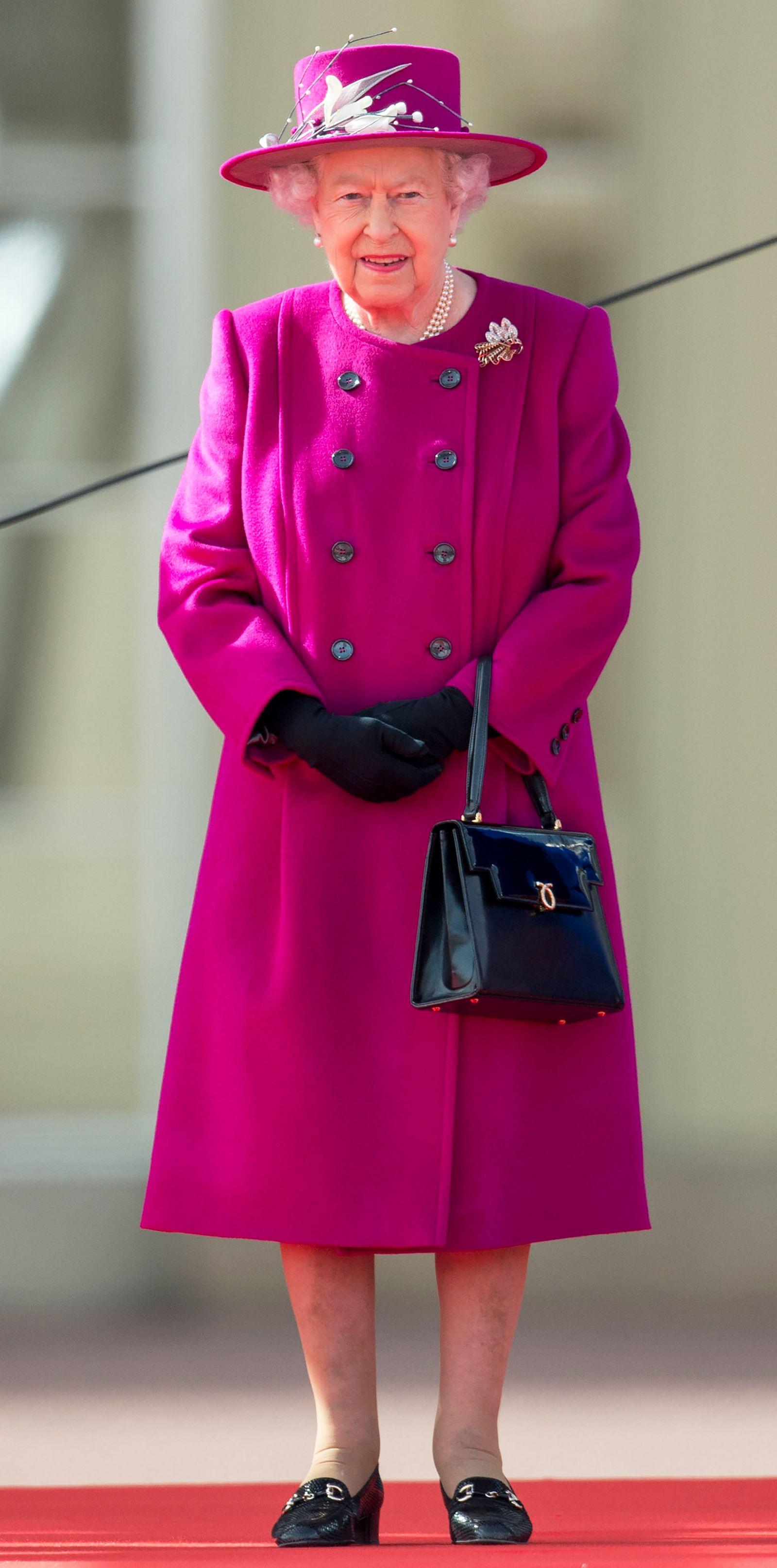 64 Of Queen Elizabeth S Best Monochrome Looks For Her 95th Birthday Queen Elizabeth Queen Hat Royal Fashion [ 3227 x 1600 Pixel ]