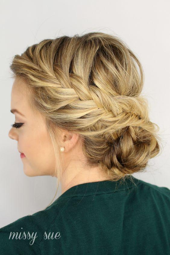 las trenzas siempre estn presentes en los peinados de moda as que te recomendamos estos peinados trenzas recogido que encajarn a la perfeccin - Peinados De Trenzas