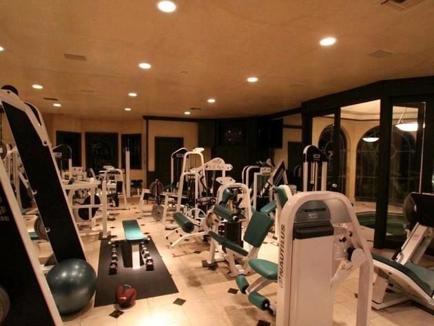 hulk hogans florida home: gym sports & outdoors - home gym fitness
