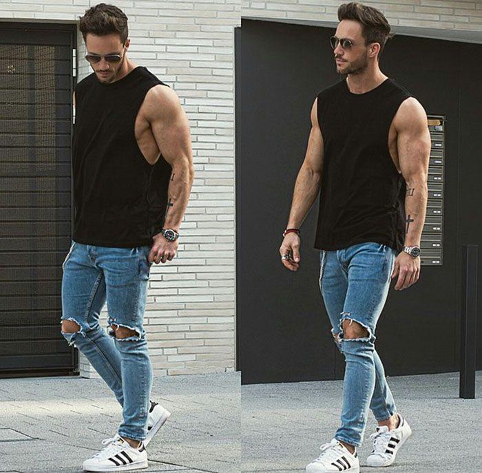 4a5fdb2209b3c As camisetas regatas masculinas ficam ótimas com calça jeans