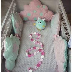 Tour de lit bébé nuage vert d\'eau rose et gris | Idées pour ...